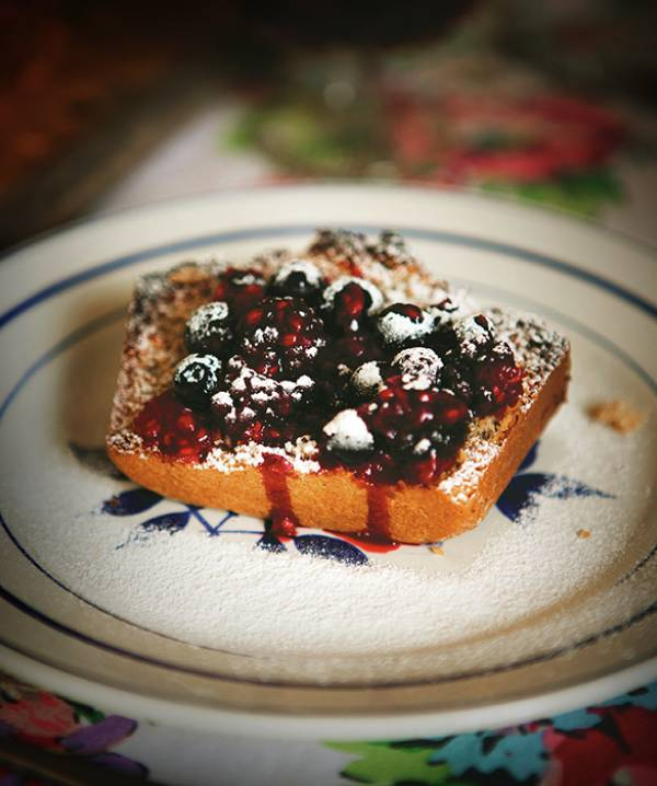 toasted coconut & spelt bread  – with berry compote